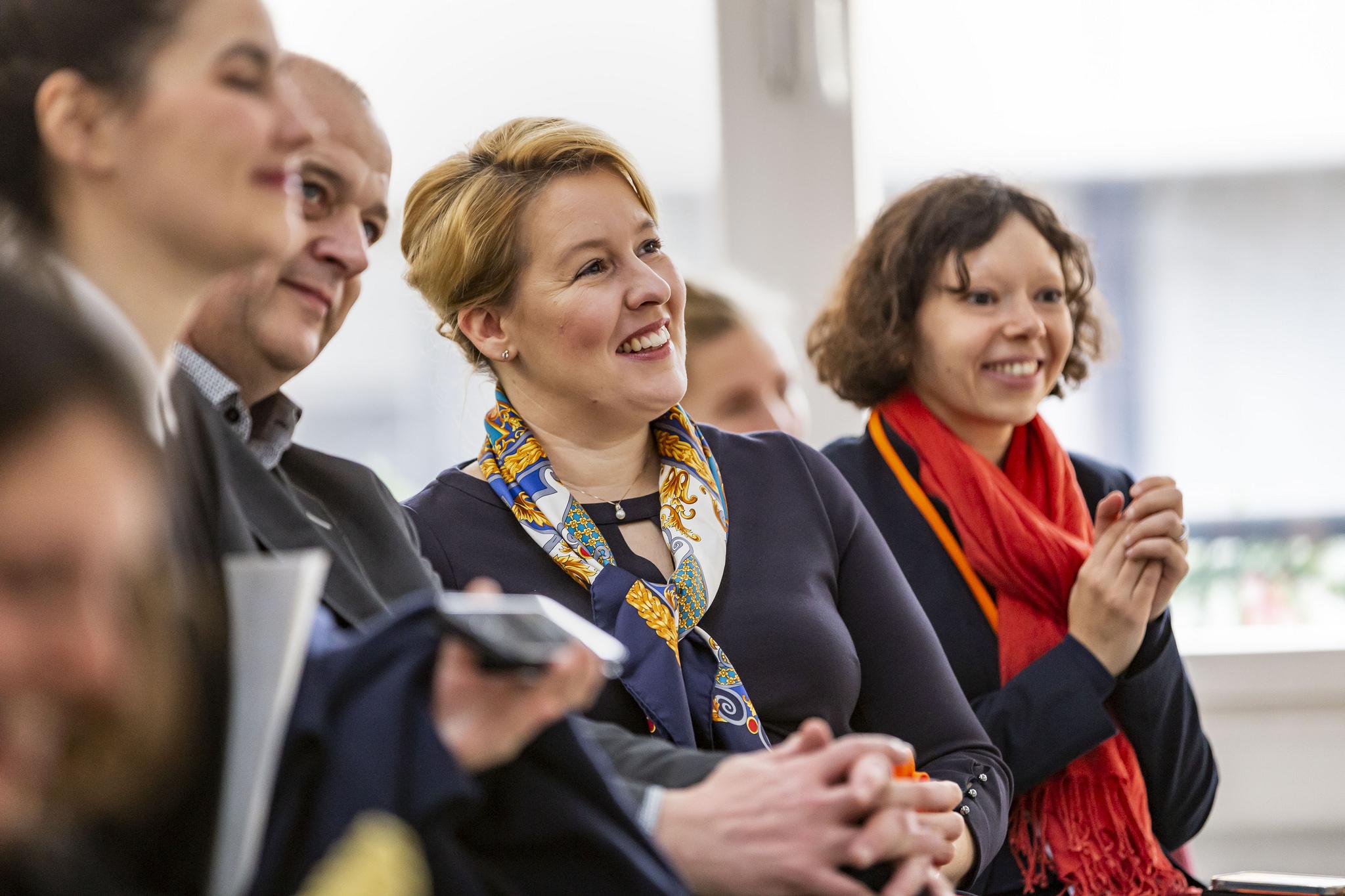 Bundesfamilienministerin Dr. Franziska Giffey beim openTransfer CAMP #Patenschaften am 1. Dezember 2018 in Berlin.